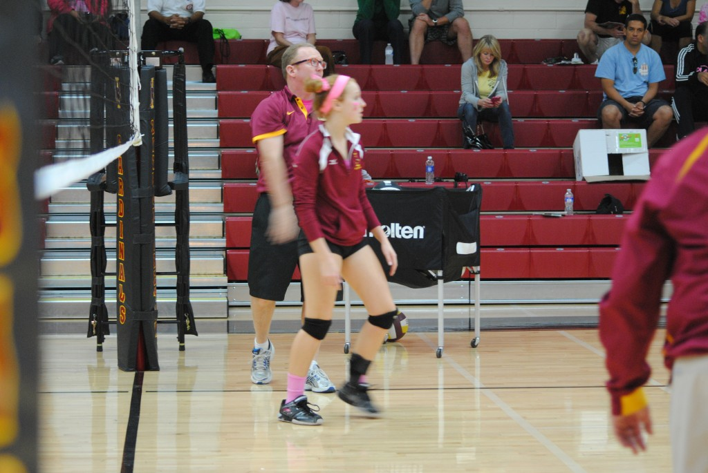 Ireton rolls by St John's 3-0 in volleyball