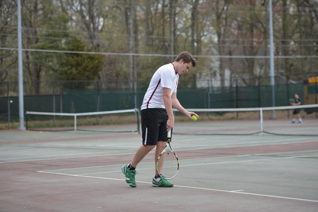 Mustangs Edge Cardinals in Tennis, 5-4
